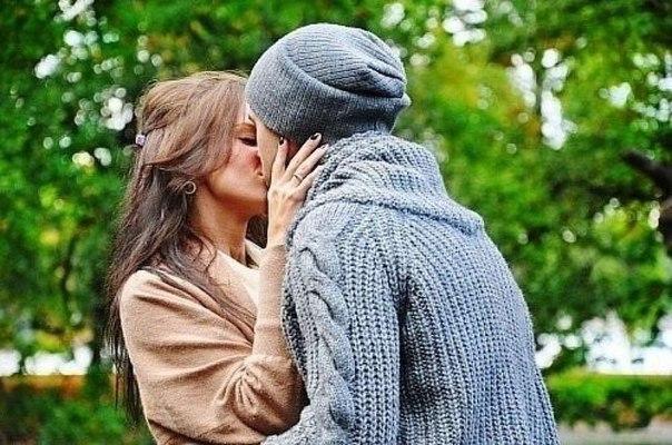 Как сделать первый шаг при поцелуе